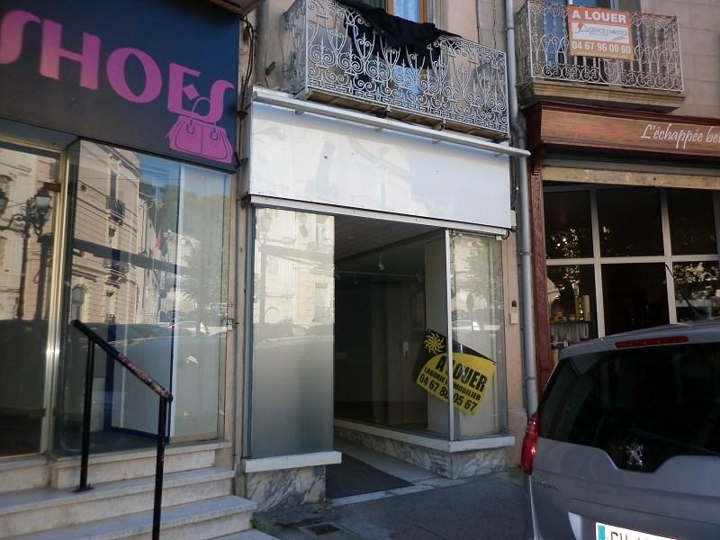 Location local commercial avec appartement t2 avec cave et for Garage ford clermont l herault